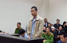 Nam sinh giết người phụ nữ ở chung cư cao cấp bị còng hai tay, xích hai chân đến tòa