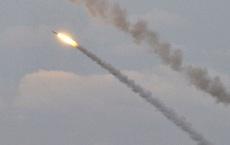 """Ông Poroshenko: Dân Ukraina """"hưng phấn"""" sau khi phóng tên lửa gần Crưm"""