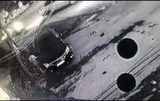 [NÓNG] Khởi tố vụ án người phụ nữ ăn mặc sang trọng lén cào xước khắp ô tô Camry