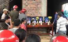 Vụ gia đình 4 người treo cổ tử vong: Cha già chết lặng chứng kiến 4 chiếc quan tài trong căn nhà xây dở