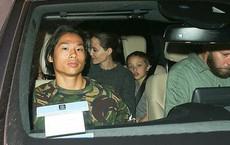 Pax Thiên cá tính, vẻ mặt lạnh lùng khi đi ăn cùng Angelina Jolie và các em