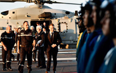 Ảnh: TT Pháp qua đêm trên tàu sân bay Charles de Gaulle, gửi lời đáp trả đanh thép tới TT Trump