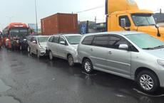 Va chạm liên hoàn 5 xe, cửa ngõ phía Tây Sài Gòn ùn ứ gần 3 giờ