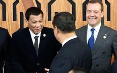 """TT Duterte gửi """"mật ngọt"""" tới ông Tập Cận Bình, tiết lộ ý định sang Trung Quốc sinh sống"""