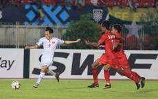 Sau trận gặp Myanmar, Trọng Toàn than buồn, Văn Hậu lặng lẽ vào facebook trọng tài biên thả like bài cũ