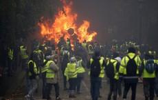 """Áo vàng """"càn quét"""" Paris - Thảm kịch của EU: Bộ 3 M gồng mình cứu vãn quyền lực"""