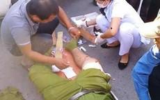 Lập biên bản xe chở đất, trưởng công an xã bị đánh bầm tím mặt