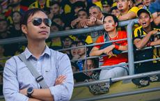"""CĐV Việt Nam dũng cảm nhất trên SVĐ Malaysia tối qua: """"Mình đánh liều ngồi đây, không cổ vũ quá khích khi đội nhà ghi bàn"""""""