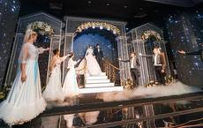"""Siêu đám cưới 4,6 tỷ ở Hải Phòng: Chú rể rước """"bạch mã"""" hiếm đi đón dâu, bước vào hội trường như lạc vào lâu đài cổ tích"""