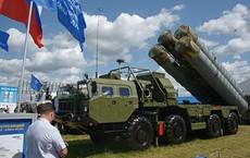 """Nga hất cẳng Mỹ, """"mồi chài"""" khách hàng mua tên lửa S-400 như thế nào?"""