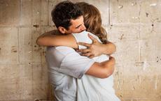 Những tác dụng tuyệt vời của 1 cái ôm: Bạn sẽ tiếc vì sao không biết điều này sớm hơn?