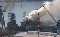 NÓNG: Tàu chiến Nga bất ngờ bốc cháy ở Viễn Đông, 106 người có mặt trên khoang