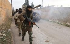 Chảo lửa Idlib: Phiến quân Syria tràn vào cướp bóc trong căn cứ quân sự