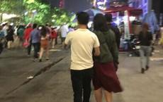 Đêm giao thừa, cặp đôi khiến người đi đường phải liên tục ngoái nhìn