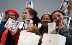 iPhone X: Vũng lầy của 2 ông lớn công nghệ hàng đầu thế giới