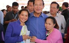 Thủ tướng Campuchia Hun Sen dọa vào tận nhà đánh người biểu tình nếu bị đốt ảnh