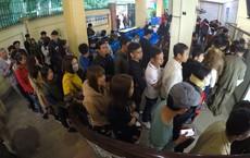 Sau Tết, hàng nghìn người dân Nghệ An đổ xô đi làm giấy thông hành để xuất ngoại