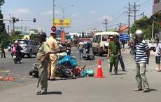 Xe khách vượt đèn đỏ tông hàng loạt xe máy, ít nhất 6 người bị thương