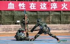 Khốc liệt bài tập đối kháng của Cảnh sát vũ trang Trung Quốc