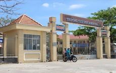 Vụ cô giáo quỳ gối xin lỗi: Phó Phòng giáo dục khẳng định Hiệu trưởng không từ chức