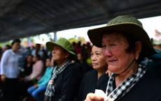 CHÙM ẢNH: Hoa và nước mắt trong ngày tiễn đưa cố Thủ tướng Phan Văn Khải về với đất mẹ