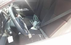 Liều lĩnh đập cửa kính ô tô trong siêu thị, trộm tài sản giữa ban ngày