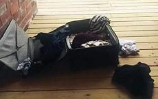 Nhận lại hành lý thất lạc sau 5 ngày, gia đình giật mình phát hiện thứ này bên trong
