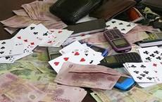 Xưng công an xông vào phòng trọ kiểm tra đánh bạc, cướp tài sản