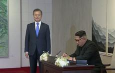 """Ông Kim Jong-un ghi sổ lưu niệm tại Bàn Môn Điếm: """"Một trang sử mới đã bắt đầu"""""""