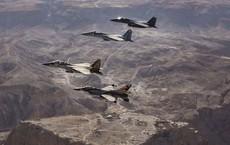 Đợt tấn công lớn sắp ập xuống - Chiến đấu cơ Israel quần sát biên giới Syria?
