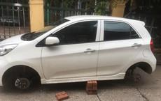 Hai ô tô bị kẻ gian tháo trộm bánh trong đêm