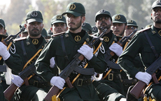 """Chỉ huy Vệ binh Iran đòi """"đấm thẳng mặt"""" Ngoại trưởng Mỹ  vì đưa 12 yêu sách với Tehran"""