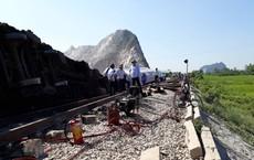 Mới nhất từ hiện trường tai nạn tàu hỏa: Hơn 2000 khách bị ảnh hưởng, gấp rút sửa đường ray