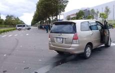 Bình Dương: Ô tô 7 chỗ tông lật xe 16 chỗ, ít nhất 6 người thương vong