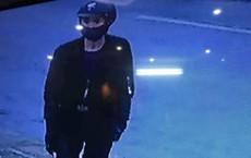 Truy tìm nam thanh niên dùng búa cướp tiệm vàng táo tợn trong mùa World Cup