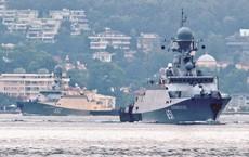 2 tàu Nga hừng hực khí thế vào Địa Trung Hải: Tên lửa Kalibr sắp quất thẳng mặt IS Syria?