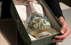 Chiêm ngưỡng chiếc bình cổ vật của Vua Càn Long được bán với giá hơn 400 tỷ
