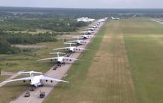 """Màn biểu diễn """"Voi đi bộ"""" hoành tráng của máy bay vận tải Nga"""