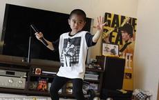 """Cuộc sống của """"truyền nhân Lý Tiểu Long"""" 8 tuổi như thế nào?"""