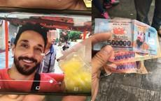 Công an nhờ Phóng viên hỗ trợ tìm lái xích lô bị tố trả 900.000 đồng tiền âm phủ cho khách Tây