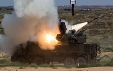 Phòng không Nga liên tục nhả đạn tiêu diệt UAV tấn công căn cứ đầu não ở Syria