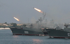 """Mãi không đóng nổi một tàu khu trục mới, Hải quân Nga """"làm nên trò trống gì""""?"""