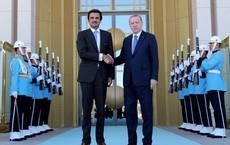 """Qatar """"trả ơn"""", cam kết đầu tư 15 tỉ USD giúp Thổ Nhĩ Kỳ đối phó Mỹ"""