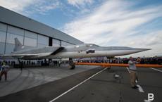 Cận ảnh oanh tạc cơ Tu-22M3M đầu tiên của Nga vừa xuất xưởng