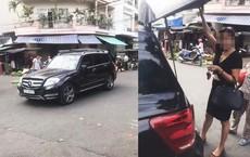 Đỗ Mercedes giữa ngã ba mua đồ, nữ tài xế thách người quay clip đưa mặt mình lên Facebook