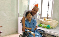 Mai Phương cười tươi trên giường bệnh, tiếp đón từng nghệ sĩ tới thăm dù sức khoẻ yếu