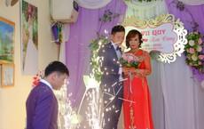 Cận cảnh lễ thành hôn đặc biệt của cô dâu 61 tuổi với chú rể 26 tuổi ở Cao Bằng