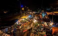 Chủ tịch Hà Nội yêu cầu công an điều tra hoạt động bảo kê ở chợ Long Biên