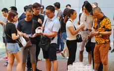 iPhone Xs và iPhone Xs Max ế ẩm, bán lề đường như rau tại Hong Kong