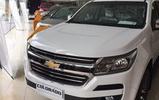 Ôtô giảm giá cả trăm triệu đồng vẫn kén khách